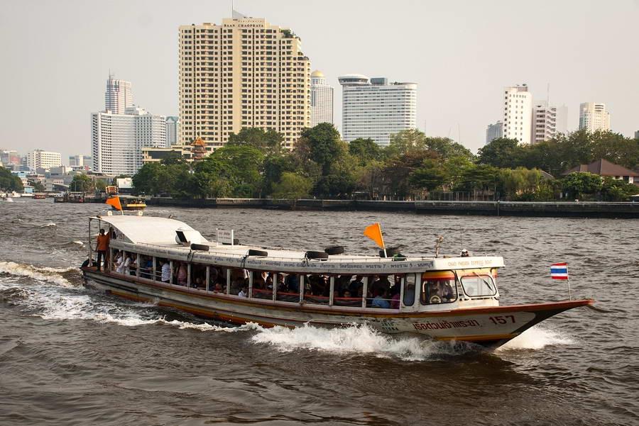 Navettes fluviales à Bangkok